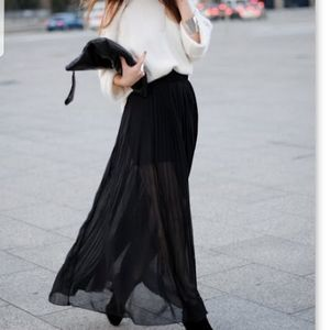 Lovers + Friends Pleated Maxi Skirt